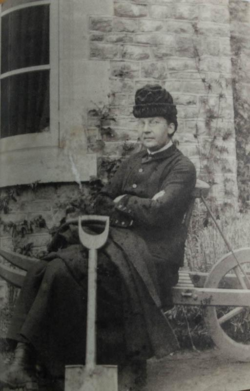 Gertrude Jekyll um 1879