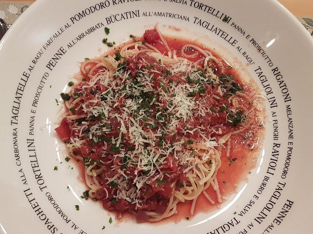 Spaghetti in Rotwein-Schalotten-Soße