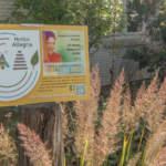 UN-Dekadenschild im Hortus Allegria